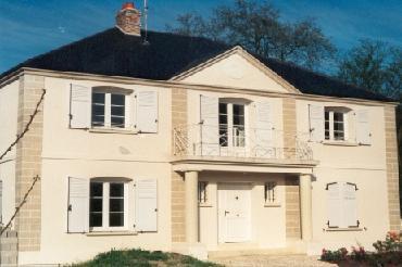 Maison babeau seguin for Encadrement fenetre pierre reconstituee